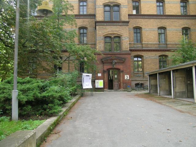 03 Park Eingang